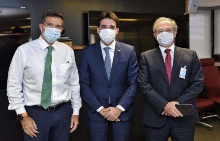 Deputado Silvio Costa Filho, com Campos Neto e Paulo Guedes  (Foto: Reprodução/Twitter)