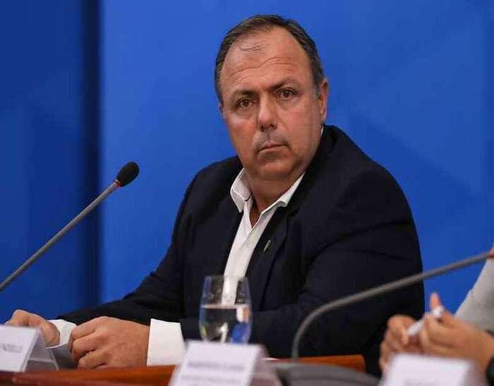 Ministro Eduardo Pazuello sofre pressão de senadores diante da lentidão na vacinação contra a Covid-19 (Foto: José Dias/PR)