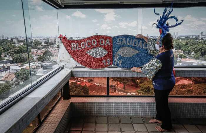 (Presidente do Bloco da Saudade, Izabel Bezerra, se prepara para passar o carnaval em casa. Foto: Paulo Paiva/DP Foto )