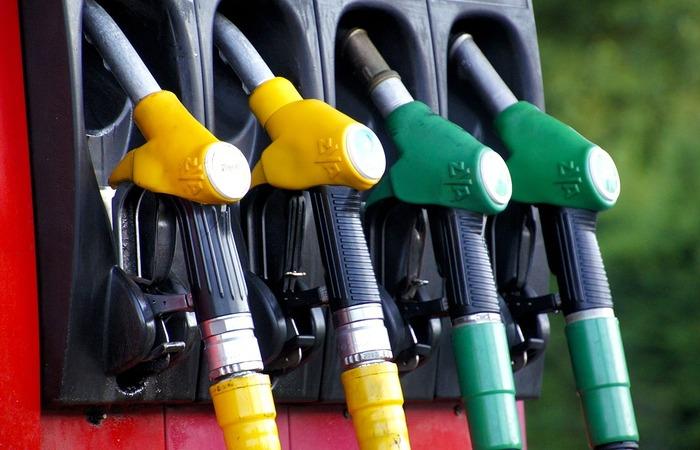 Foco é o presidente do Sindicombustíveis-DF, Paulo Tavares, por ter divulgado publicamente que o impacto da revisão do ICMS será de R$ 0,10 no litro da gasolina na bomba. (Foto: Reprodução/Pixabay )