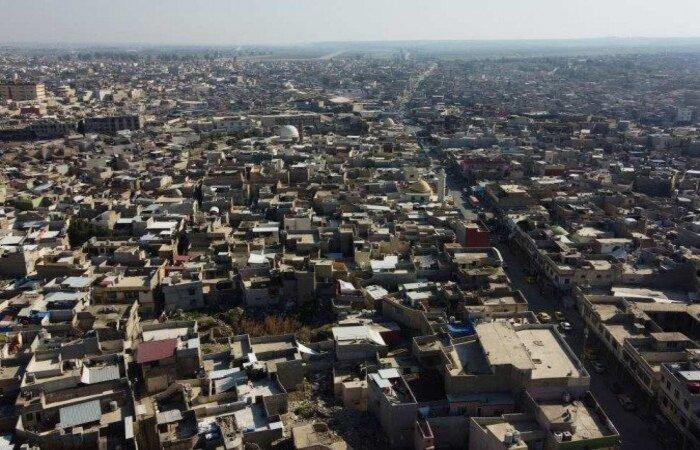 Um dos foguetes caiu no perímetro da chamada Zona Verde, setor da capital iraquiana onde está localizada a embaixada e sob segurança máxima (Foto: Zaid AL-OBEIDI / AFP)