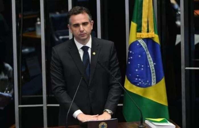 Senador Rodrigo Pacheco diz que a mudança permitirá 'uma flexibilização dos gastos de acordo com cada ente federado' (foto: Ed Alves/CB/D.A Press)