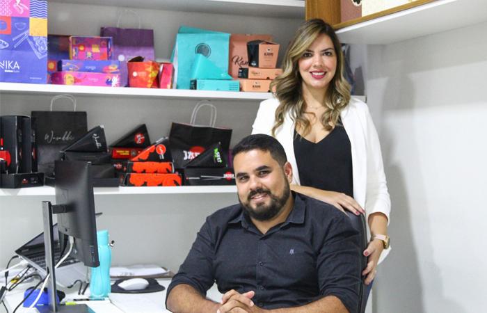 A Colorata Packing, dos empresários Aldiana do Rêgo Barros e Rodrigo Oliveira, completa dez anos e se destaca no mercado com o fornecimento de embalagens de alto padrão para os clientes (Foto: Sandy James/Esp DP)
