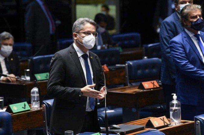 (O senador Alessandro Vieira, relator do projeto. Foto: Jefferson Rudy/Agência Senado)