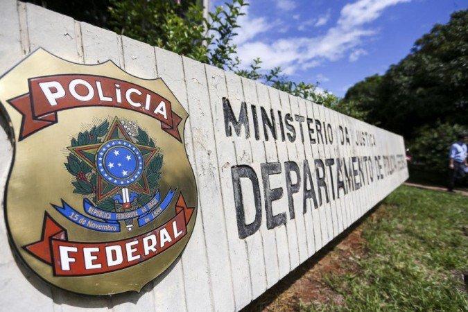 (Segundo os policiais, o condutor do caminhão foi preso em flagrante, e responderá pelos crimes de tráfico de drogas de caráter interestadual. Foto: Marcelo Camargo/Agência Brasil)