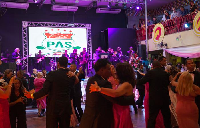 O clube de frevo mais antigo em funcionamento do Brasil é também um reduto da música romântica da capital. (Foto: Divulgação)