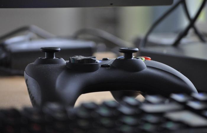 """""""Scalping"""" é uma prática que consiste em causar escassez de PS5 e Xbox e depois vendê-los a preços tão altos que alguns parlamentares estão exigindo sua proibição  (Foto: Reprodução/Pixabay )"""