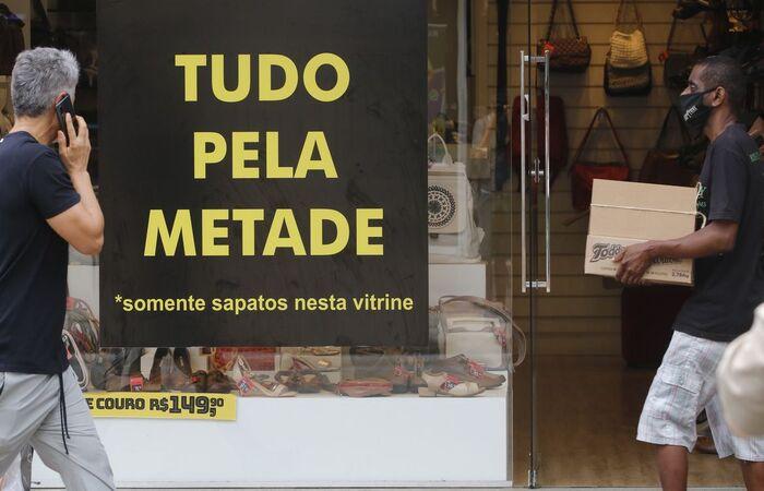 É a quarta queda do indicador, revela pesquisa da CNC  (Foto: Fernando Frazão/Agência Brasil)
