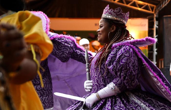 Maracatu Leão Coroado no Carnaval na Casa da Cultura no Carnaval na Casa da Cultura, em 2019  (Foto: Fernando Figueroa/ Secult PE - Fundarpe)