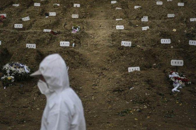 (O estudo divulgado pelo Conselho Nacional de Secretários de Saúde (Conass) segue recomendação das autoridades internacionais para avaliar de forma mais fiel o impacto da pandemia. Foto: PATRICIA DE MELO MOREIRA / AFP)