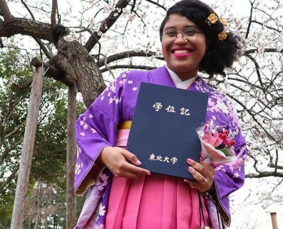 """(Me formando de kimono e afro"""": foto de Mari Melo viralizou no Instagram e no Facebook. Foto: Arquivo pessoal)"""