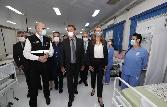 Presidente visita Centro Avançado de Atendimento Covid-19 (Foto: Alan Santos/PR)
