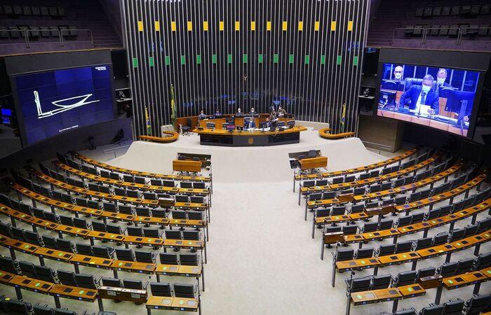 Pesquisadores defendem quebra patentária; governo pede cautela (Crédito: Pablo Valadares/Câmara dos Deputados)