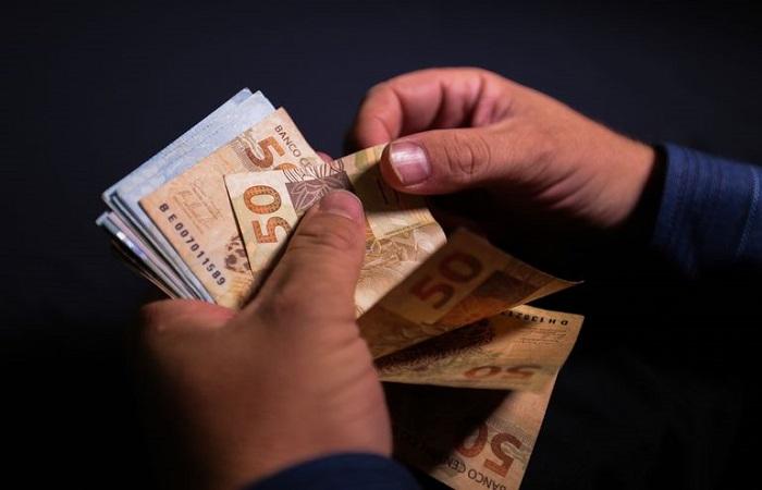 Os micro e pequenos empreendedores selecionados receberão um crédito de até R$ 3 mil (Marcello Casal Jr/Agência Brasil)