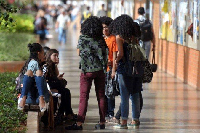 (Estudantes que fizeram o Enem 2020 também poderão se inscrever no período de 3 e 4 de maio. O resultado será divulgado em 7 de maio. Foto: Marcello Casal Jr/Agência Brasil)