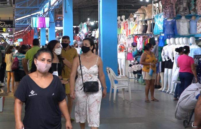 Protocolos determinados pelo governo de Pernambuco e pela gestão municipal estabelecem o uso obrigatório de máscara de proteção nos locais (Bruna Cruz/Divulgação)