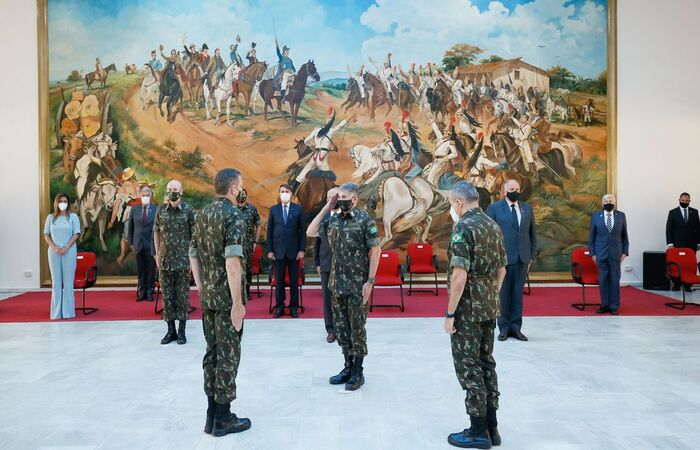 Novo comandante é o general Tomás Miguel Miné Ribeiro Paiva  (Foto: Isaac Nóbrega/PR)