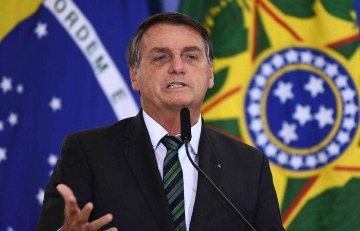 Mandatário voltou a colocar em dúvida o número de brasileiros mortos pela doença no país; total passa de 365 mil fatalidades  (crédito: AFP / EVARISTO SA)