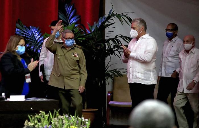 Pela primeira vez em seis décadas, a família Castro não exercerá o poder em Cuba. (CUBADEBATE.CU / AFP)