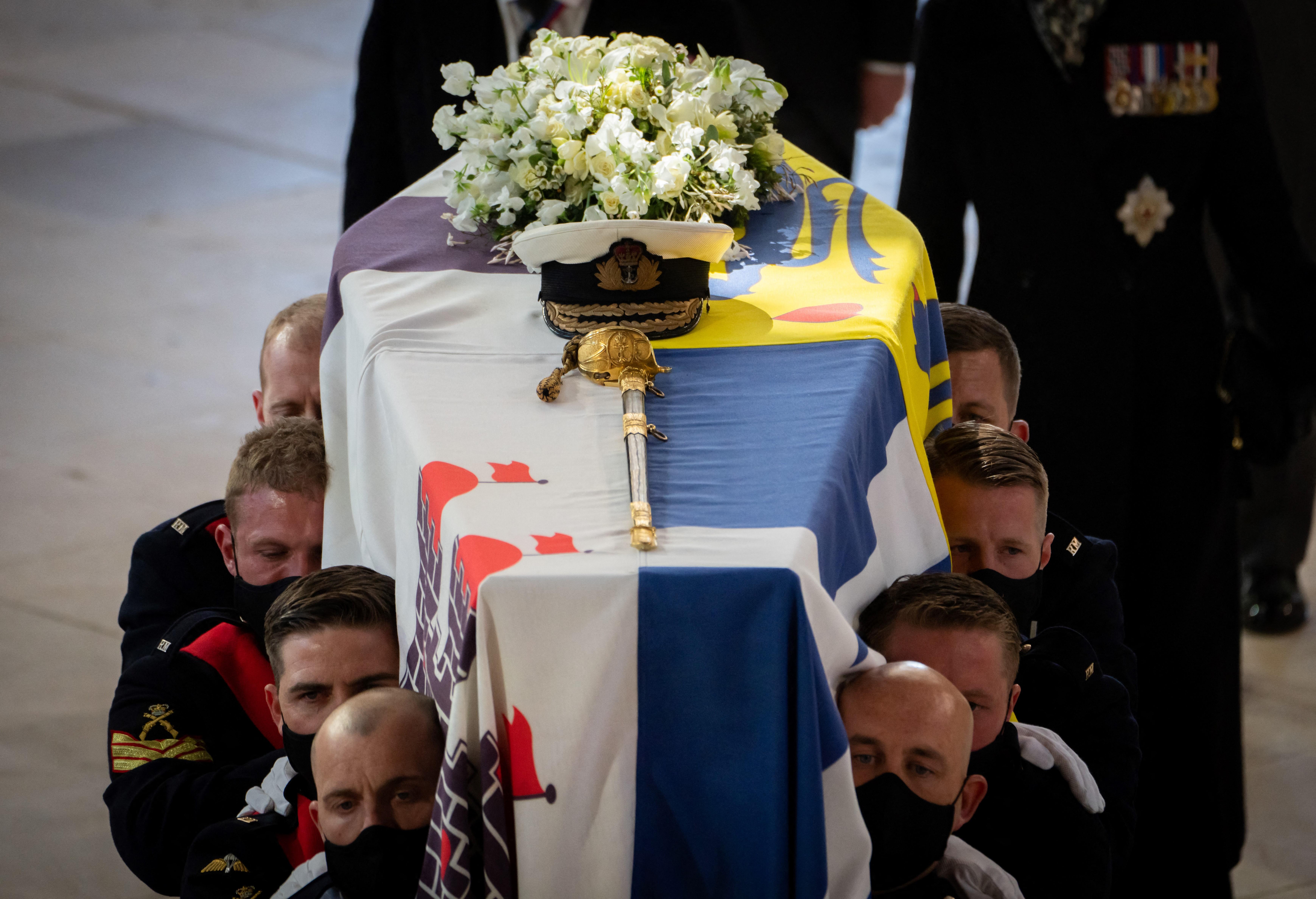 O caixão do Príncipe Philip foi enterrado na cripta real da Capela de São Jorge em Windsor (Danny Lawson / POOL / AFP)