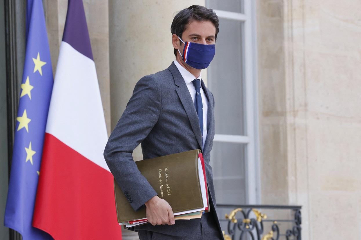 Porta-voz do governo francês, Gabriel Attal (Foto: Thomas SAMSON / AFP)