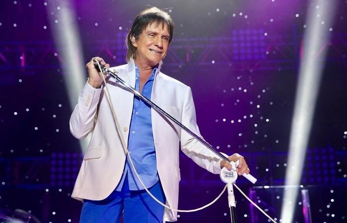 O cantor recebeu mensagens de diversos amigos e colegas que acumulou em mais de 60 anos de carreira (Foto: Divulgação)