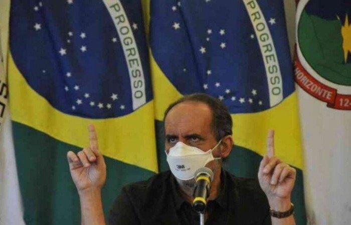 Sobre a falta de diálogo de prefeitos e governadores com o governo, o prefeito de BH diz que não perde 'mais tempo conversando' depois de um ano de pandemia  (crédito: Juarez Rodrigues/EM/D.A PRESS)