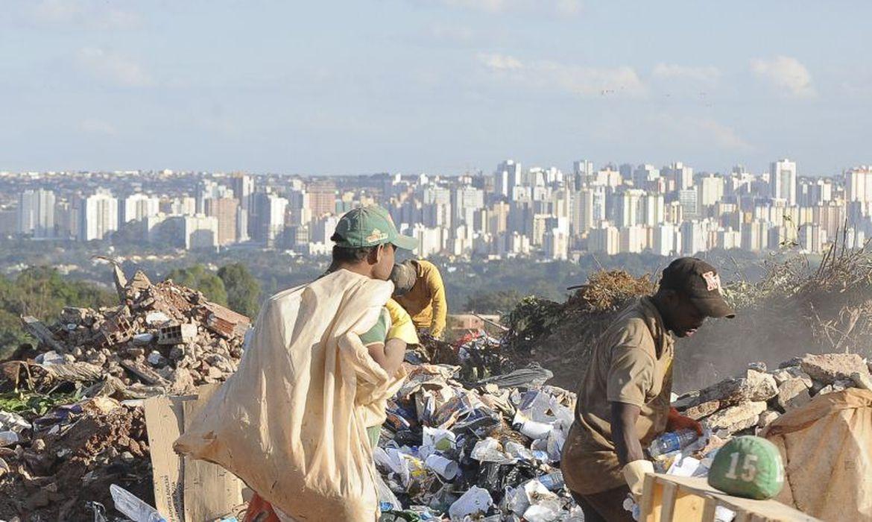 (Meta é acabar com todos os lixões no Brasil até 2024. Foto: Arquivo/Wilson Dias/Agência Brasil)