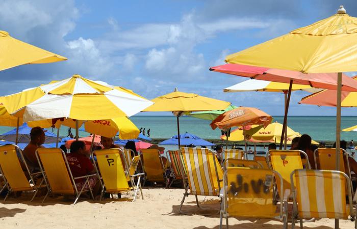 Comércio de praia poderá funcionar de segunda à sexta-feira, das 9h às 16h (Marlon Diego/Arquivo DP)