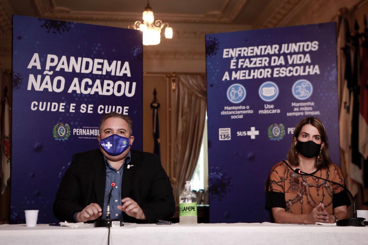(Secretários André Longo e Ana Paula Vilaça destacaram importância de evitar aglomerações. Foto: Heudes Regis/SEI)