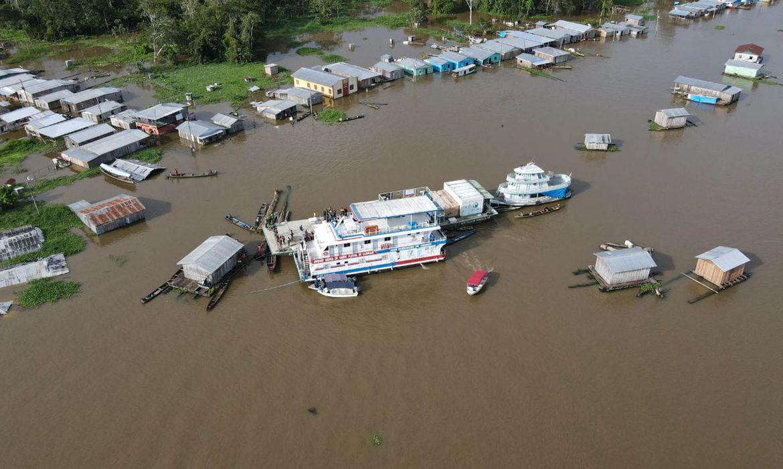 (Defesa Civil do Amazonas diz que 13 cidades decretaram emergência. Foto: Agência Amazonas)