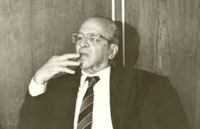 João Camilo era ex-presidente da Cemig e de Furnas, ex-secretário de Estado e foi ministro no governo João Figueiredo  (João Camilo foi presidente da Cemig e de Furnas, ex-secretário de Estado e foi ministro no governo João Figueiredo )