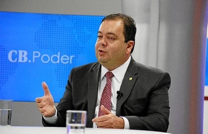 Deputado Elmar Nascimento (DEM-BA) entregará o relatório final na próxima semana, respeitando pontos de convergência  (crédito: Vinicius Cardoso/Esp. CB/D.A Press)