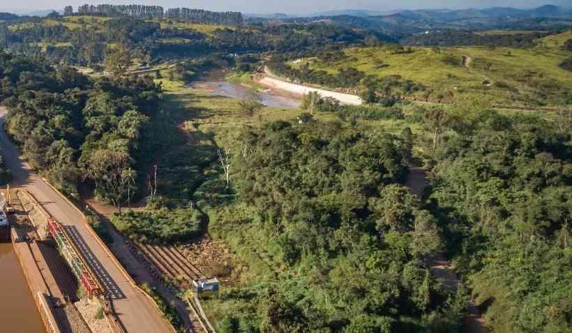 (Área do Córrego Ferro-Carvão com o Rio Paraopeba recebeu projeto piloto de reflorestamento. Foto: Divulgação/Vale)