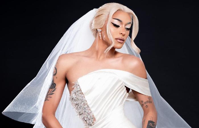 Após tantas teorias nas redes sociais, alimentadas pela drag, os fãs receberam o anúncio de uma nova era (Foto: Instagram/Reprodução)