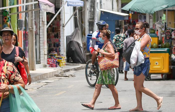 O chamado comércio de rua, tanto na região central da cidade quanto nos bairros, poderão funcionar por oito horas consecutivas (Leandro de Santana/Arquivo DP)