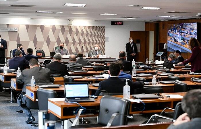 Dos 209 requerimentos que ainda aguardam deliberação dos senadores membros da CPI, 134 são pedidos de convocação, 73 são de convite e apenas dois de informações (Foto: Jefferson Rudy/Agência Senado)
