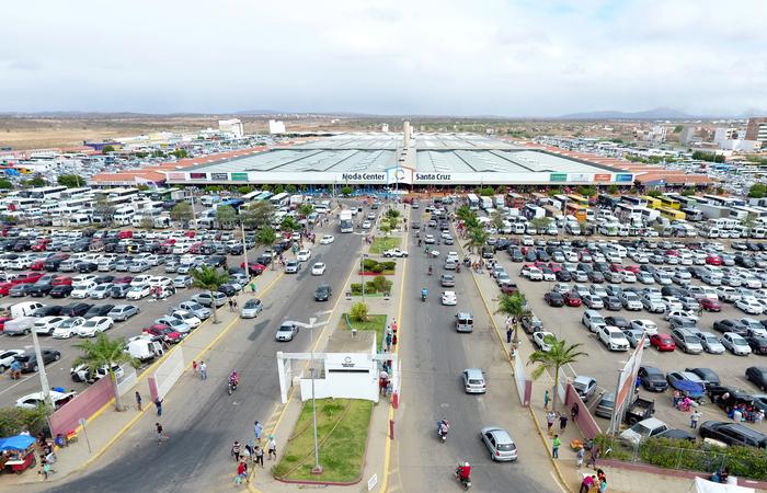 O Moda Center Santa Cruz e o Calçadão Miguel Arraes de Alencar, localizados no município de Santa Cruz do Capibaribe, funcionarão em horário especial (Divulgação/Moda Center Santa Cruz)