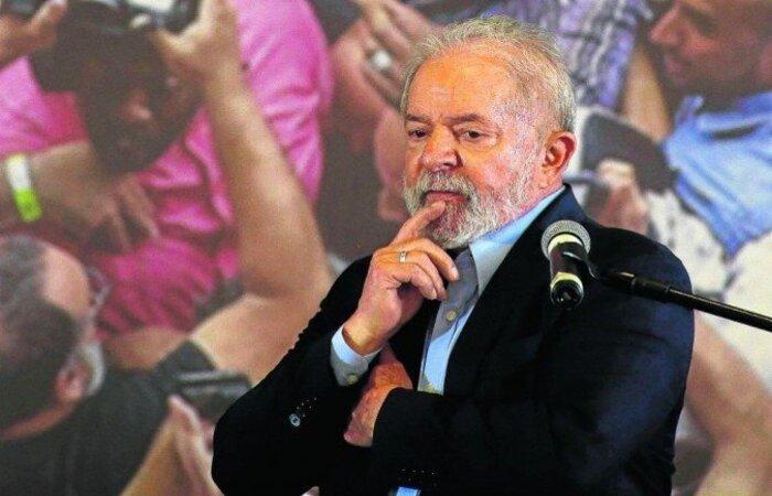 Segundo o deputado, partido do ex-presidente estaria disposto a abrir mão das candidaturas em alguns estados para fortalecer oposição contra Bolsonaro  (crédito: Miguel Schincariol/AFP )