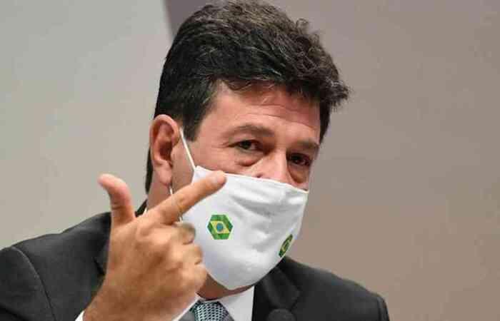 Em abril de 2020, o presidente esteve com o ex-ministro da Saúde em Goiás para inaugurar um Hospital de Campanha  (foto: Agência Senado )