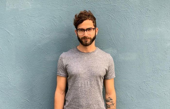O curador de arte e produtor musical Steve Coimbra começou a estudar sobre o mercado de criptomoedas ainda em 2016 (Foto: Divulgação)