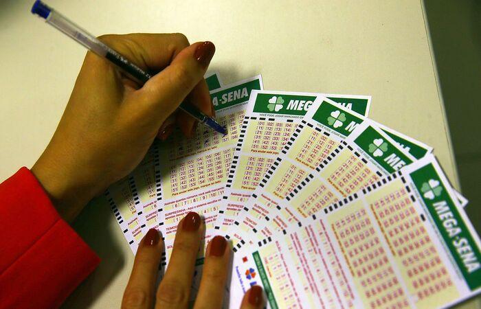 As apostas podem ser feitas até as 19h (Marcello Casal Jr/Agência Brasil)