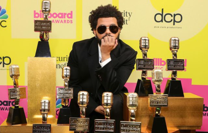 (O cantor ganhou em dez categorias com o sucesso do seu álbum 'After Hours')