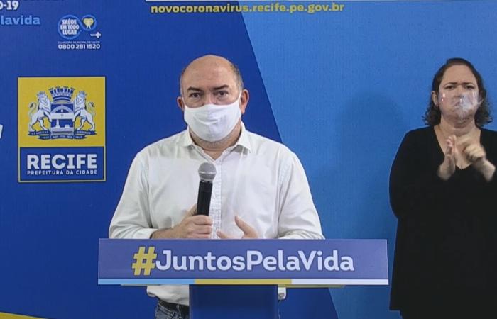 A denúncia é contra o ex-secretário de Saúde do Recife Jailson Correia e mais cinco ex-servidores  (Foto: Reprodução/PCR)