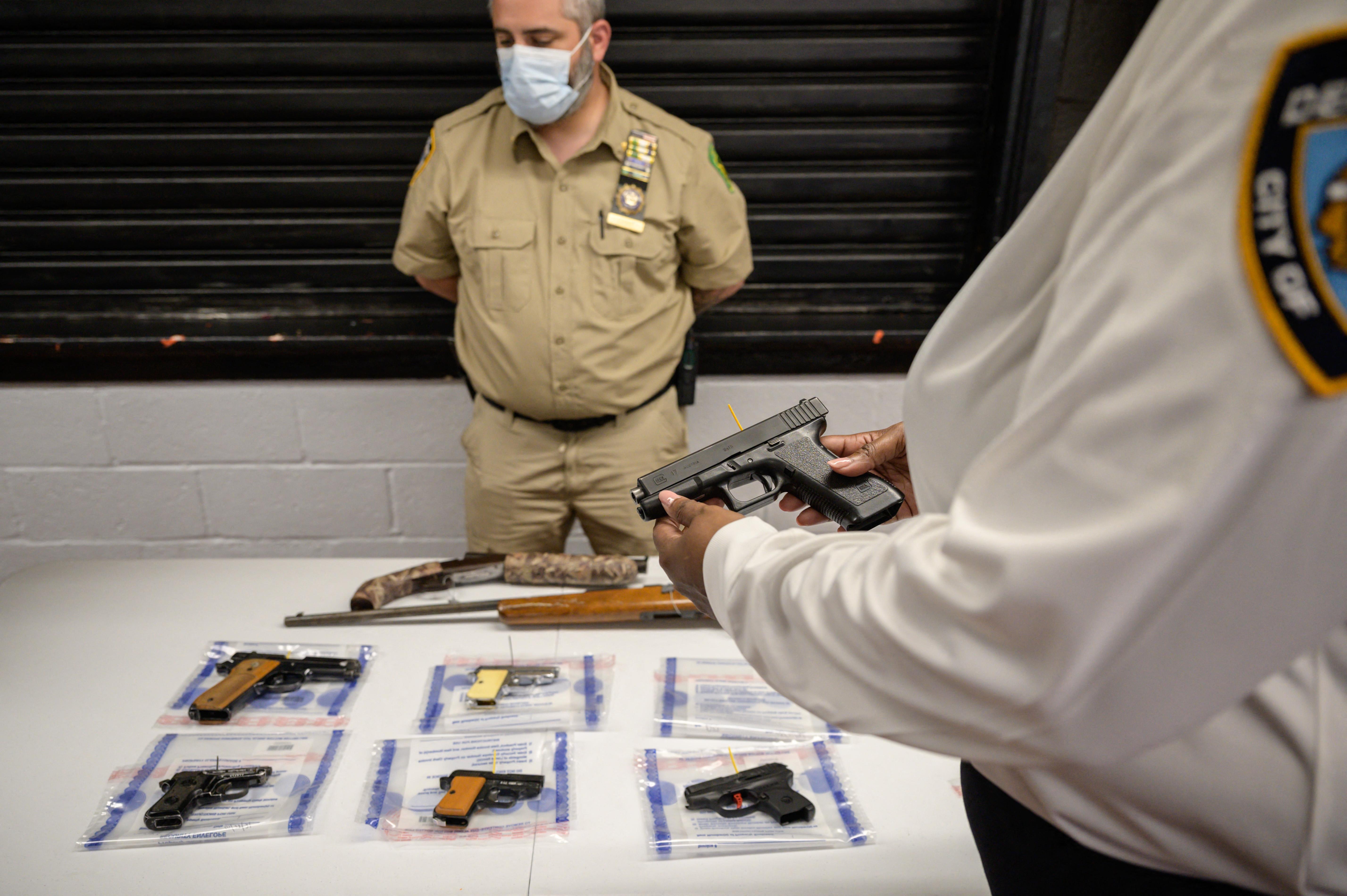 (Nos últimos meses, os Estados Unidos sofreram uma série de tiroteios em massa. Foto: Ed JONES / AFP)