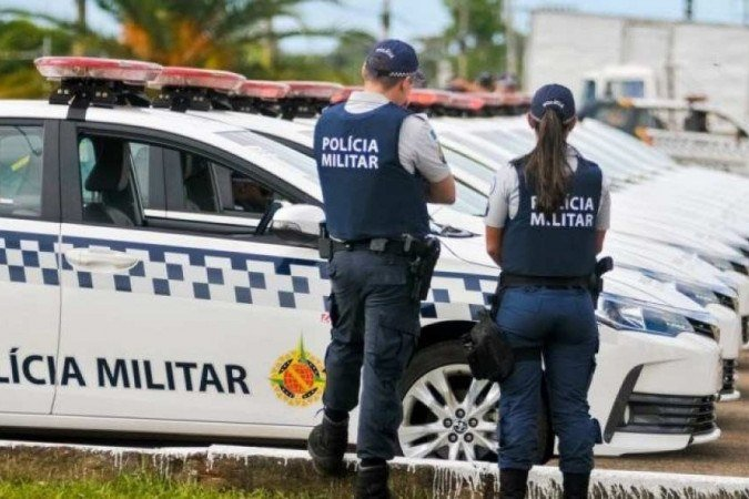 (Durante a patrulha dos agentes, em Taguatinga, os pais da criança pediram por ajuda. O menino foi levado consciente ao HRT. Foto: Divulgação/PMDF)