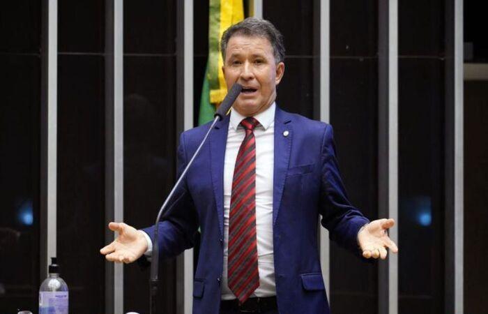 Foram 39 favoráveis e 26 contrários à admissibilidade do texto  (Foto: Pablo Valadares/Câmara dos Deputados)