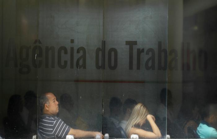Em comparação com o último trimestre de 2020, o número de pernambucanos desempregados aumentou em 15,8%, saindo de 749 mil para 868 mil (Paulo Paiva/DP FOTO)