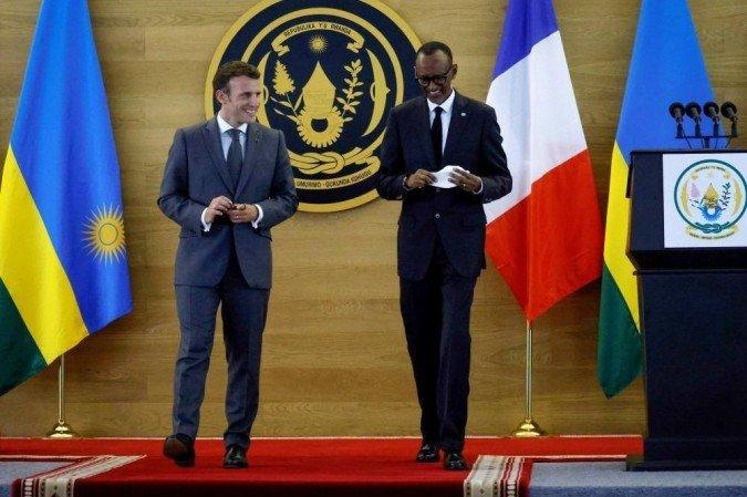 """(O diretor da principal organização de sobreviventes, Egide Nkuranga, lamentou que Macron """"não tenha apresentado verdadeiramente desculpas em um discurso pronunciado em nome do Estado francês"""". Foto: Ludovic MARIN / AFP)"""