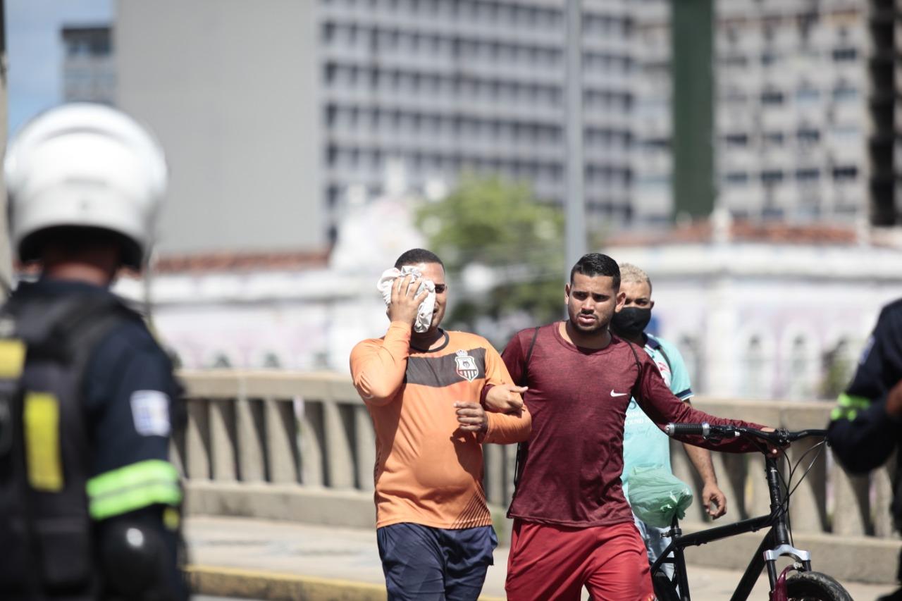 Ato público contra Bolsonaro no sábado (29), no Centro do Recife. (Arnaldo Sete / Esp. DP Foto.)